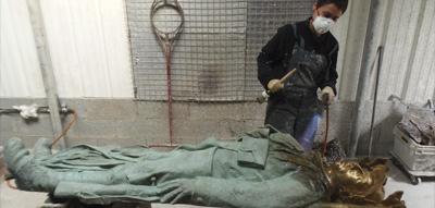 Restauration d'une sculpture monumentale en bronze